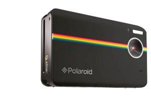 Su cámara es de 10 megapixeles, cuenta con una pantalla LCD de 3 pulgadas, entrada para memoria Micro SD y graba video con resolución de 720 pixeles a 30 cuadros por segundo. Sus dimensiones son 118*76*34.6 mm. Foto:Polaroid. Imagen Por:
