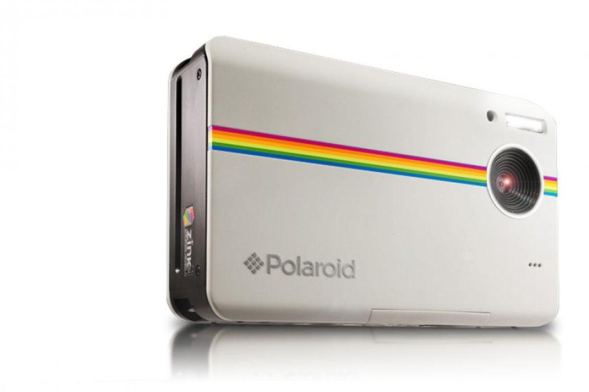 Imprime las fotografías a color en papel de 2*3 pulgadas. Tiene un precio de 179.99 dólares. Foto:Polaroid. Imagen Por: