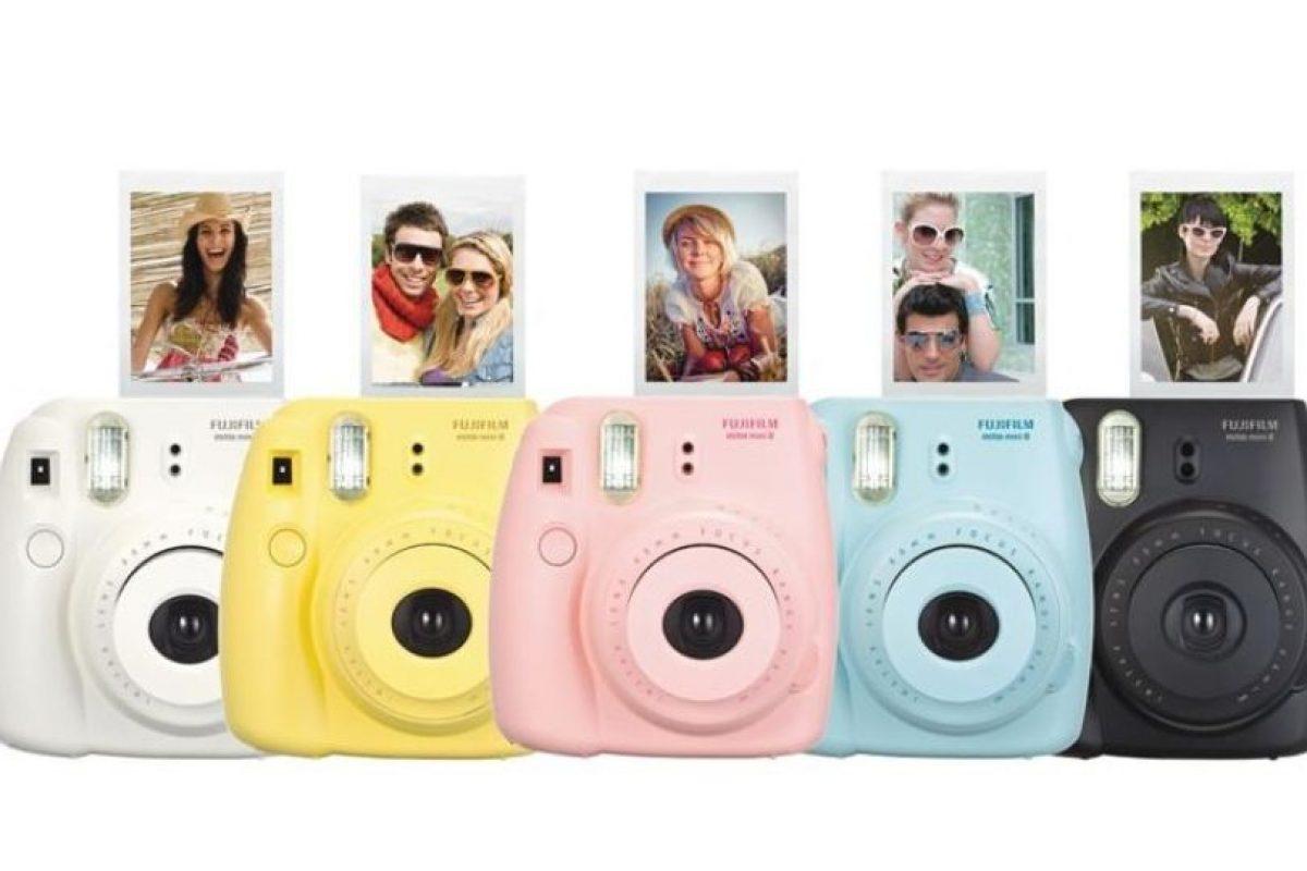 La fotografía se imprime a color en un papel de 62*46 mm que sale en segundos. Tiene un precio de 99.99 dólares. Foto:Fujifilm. Imagen Por: