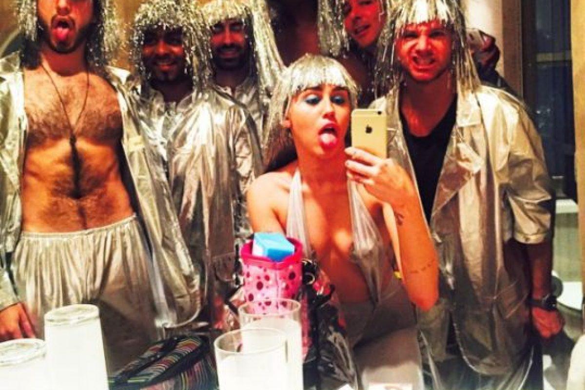 Miley con sus amigos Foto:Instagram/Miley Cyrus. Imagen Por: