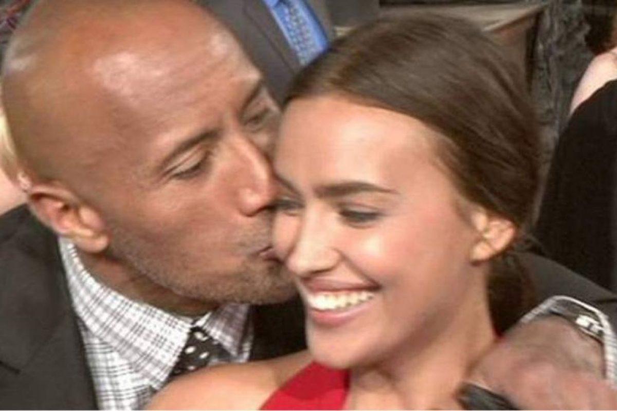"""La modelo y el luchador se compenetraron muy bien durante la grabación de la película """"Hércules"""" Foto:Twitter. Imagen Por:"""