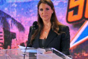 Stephanie McMahon: Descendiente del dueño de la WWE, Vince McMahon Foto:WWE. Imagen Por: