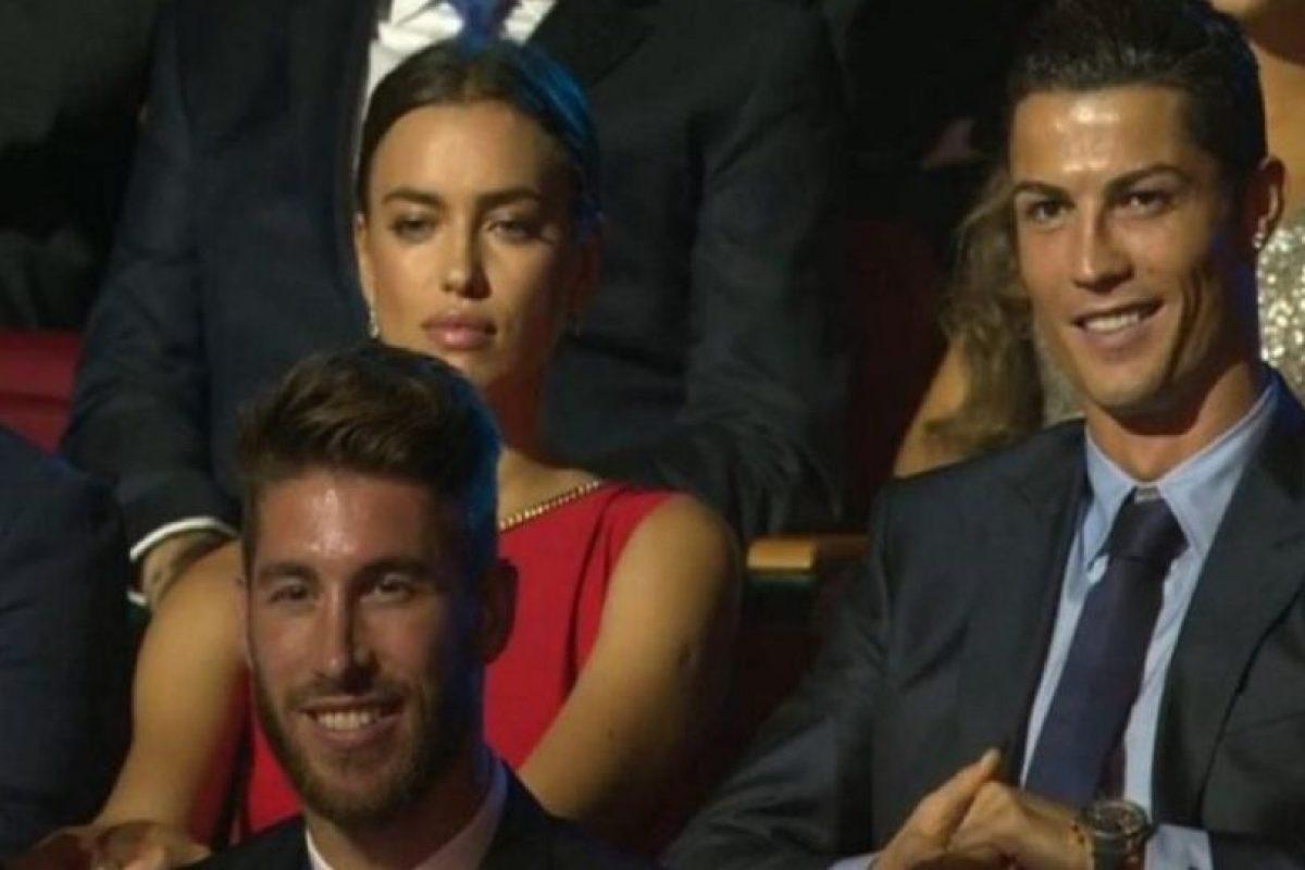 En aquella ocasión, Shayk se enojó por el claro coqueteo de la presentadora hacia su novio. Foto:Twitter. Imagen Por: