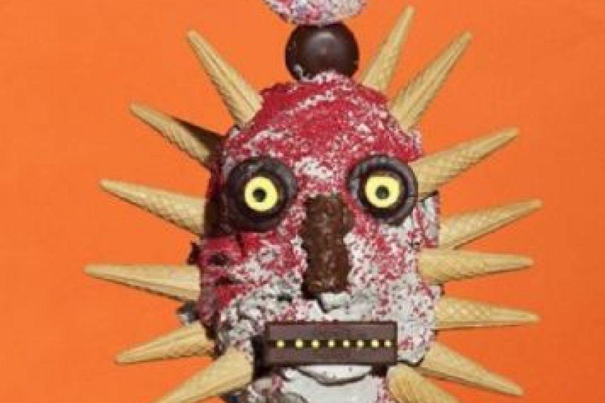 "El artista James Ostrer usó la comida chatarra para crear obras ""de horror"". Foto:Cortesía Gazelli Art House. Imagen Por:"