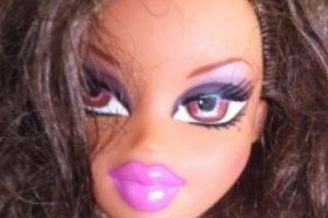 """Las populares muñecas """"Bratz"""" durante años simbolizaron a la adolescente y mujer artificial, con labios exagerados y maquillaje exuberante. Foto:Tree Change Dolls /Tumblr. Imagen Por:"""