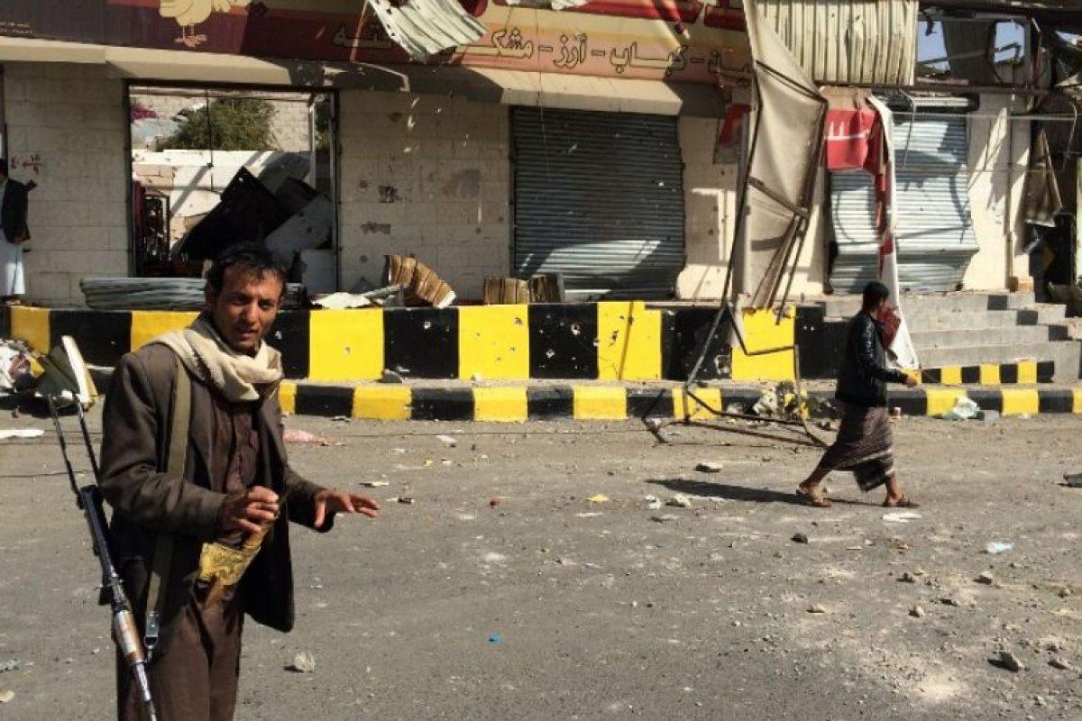 Rebeldes Huthi en las calles de Saná, la capital del país Foto:AFP. Imagen Por: