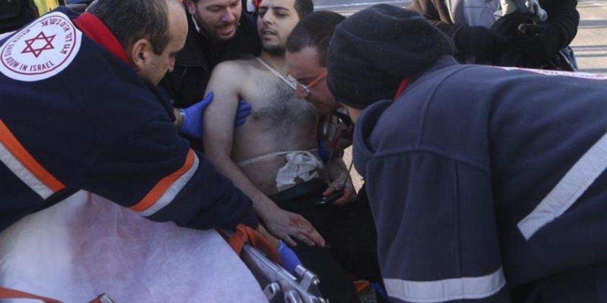 Al menos 9 heridos apuñalados por un palestino en un autobús de Tel Aviv