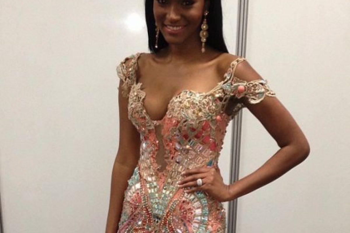 En 2011, fue la primera mujer de Angola que ganó este premio y la segunda mujer de color africana que se coronó entre las Miss Universo. Foto:Instagram/officialeilalopes. Imagen Por: