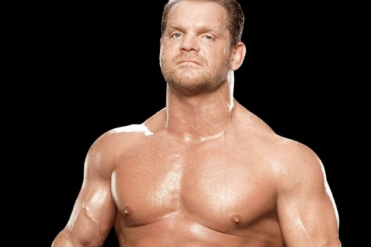 Y Chris Benoit en 2004 Foto:WWE. Imagen Por: