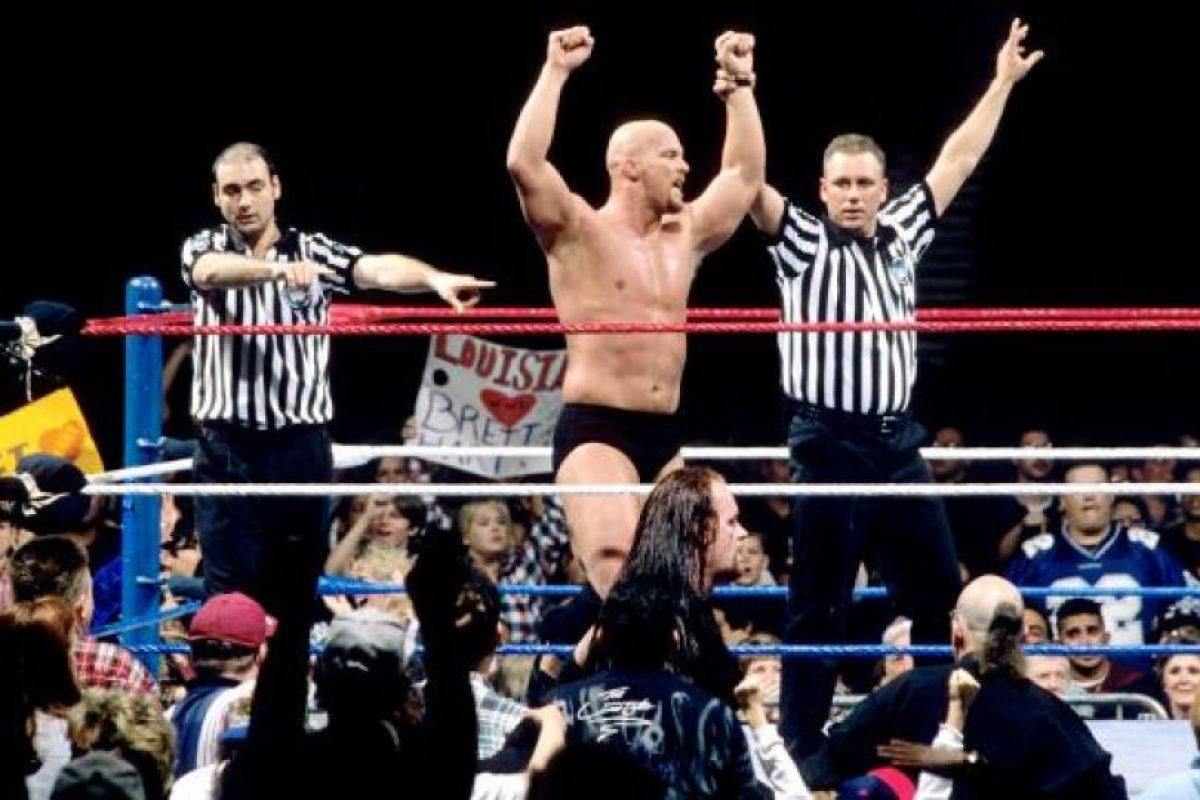 3. La polémica victoria de Steve Austin Foto:WWE. Imagen Por: