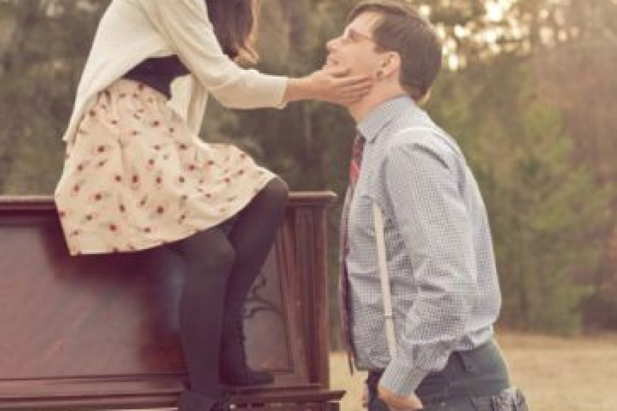 9. Sienten que no pueden ser felices sin él o ella. Foto:Tumblr.com/tagged-pareja-cursi. Imagen Por: