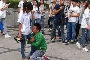 Si no se cambió de colegio después de esto, pobrecito. Foto:Weibo. Imagen Por: