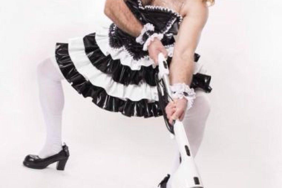 """Y puede posar como """"camarera"""" o """"lolita"""" o cualquier arquetipo femenino considerado kawaii en Japón. Foto:Ladybeard/Facebook. Imagen Por:"""