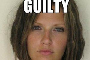En 2010, Meagan Simmons, madre de familia, fue arrestada por manejar ebria, pero su mugshot se hizo viral por su belleza. Foto:Twitter. Imagen Por: