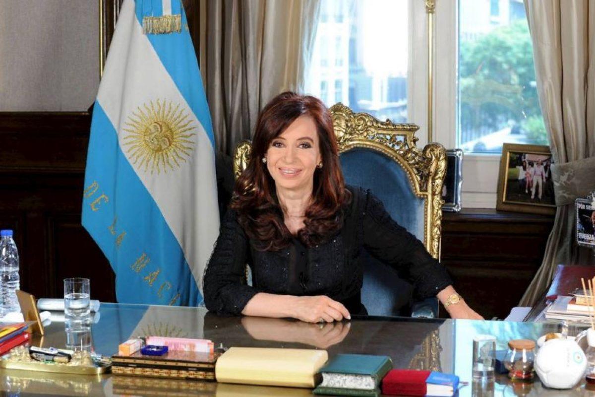 Los interrogantes que se convierten en certeza. El suicidio (que estoy convencida) no fue suicidio. Foto:Facebook: Cristina Fernández de Kirchner. Imagen Por: