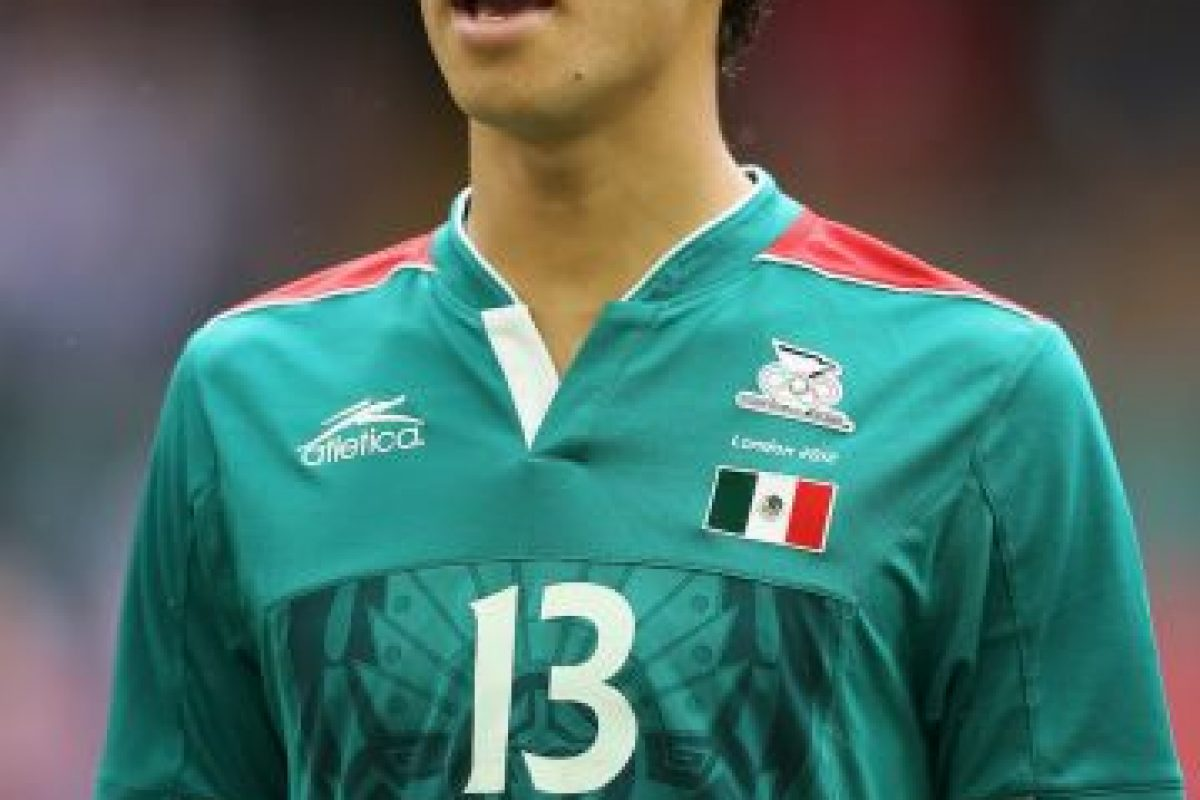 El defensa mexicano surgido del América también siente odio deportivo por las Chivas Foto:Getty. Imagen Por: