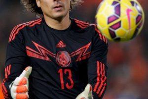 El portero titular de la Selección de México debutó en el América, por lo que no tiene intenciones de jugar en Chivas, el acérrimo rival Foto:Getty. Imagen Por: