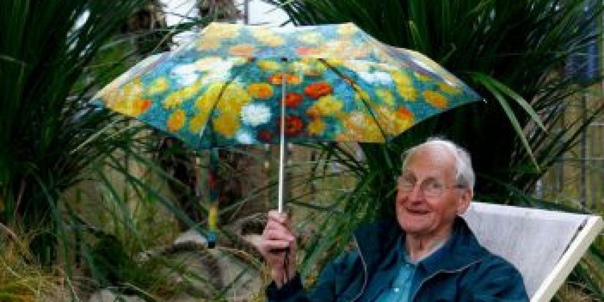 Abuelo de 100 años muere mientras le cantaban