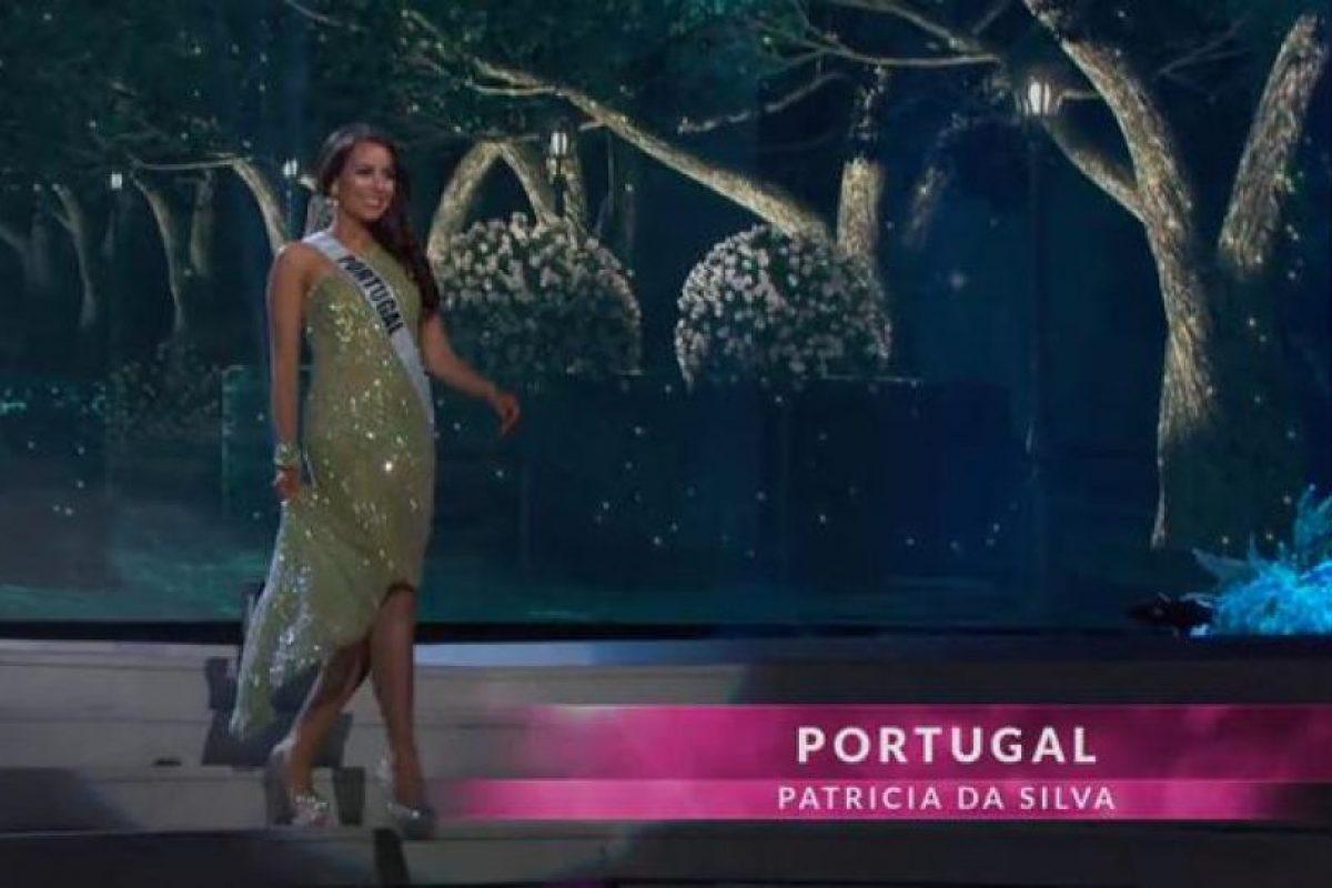 Miss Portugal también optó por recoger su vestido. Foto:Miss Universe.com. Imagen Por: