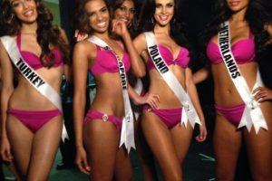 Las reinas de belleza en el backstage. Foto:Twitter/Miss Universo. Imagen Por: