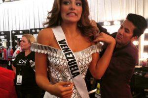 Parece que los nervios traicionaron a Miss Venezuela, quien se quedó sin palabras para las redes sociales. Foto:Twitter/Miss Universo. Imagen Por: