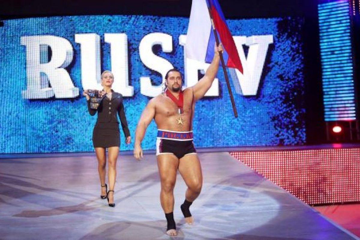 El campeón de Estados Unidos quiere otro cinturón Foto:WWE. Imagen Por: