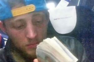 Este ladrón fue atrapado tras tomar este selfie con su celular. Foto:Twitter. Imagen Por:
