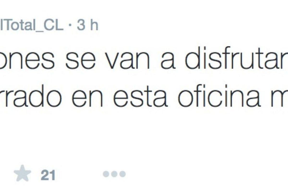 Por ahora, da de qué hablar, gracias a que no es el único periodista al que le pagan mal, según afirman muchos internautas. Foto:Twitter/FútbolTotal Chile. Imagen Por: