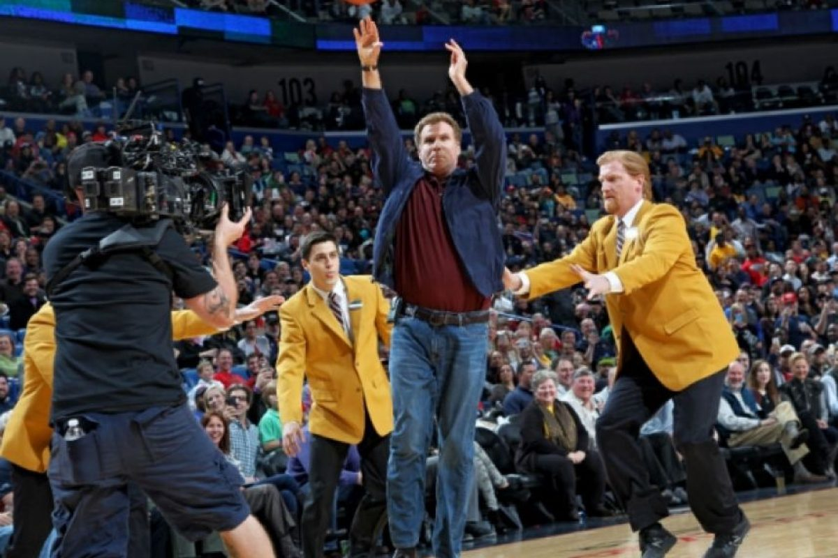 Así se divirtió Will Ferrell. Foto:twitter.com/PelicansNBA. Imagen Por: