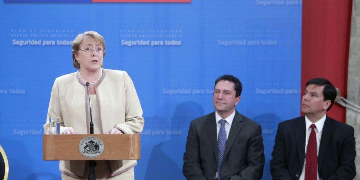Bachelet firma proyecto de agenda corta de seguridad ciudadana