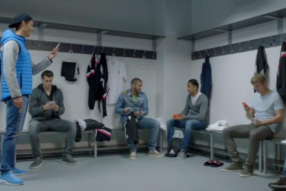 Los jugadores al enterarse de que era una broma. Foto:TURISMOMADRID. Imagen Por: