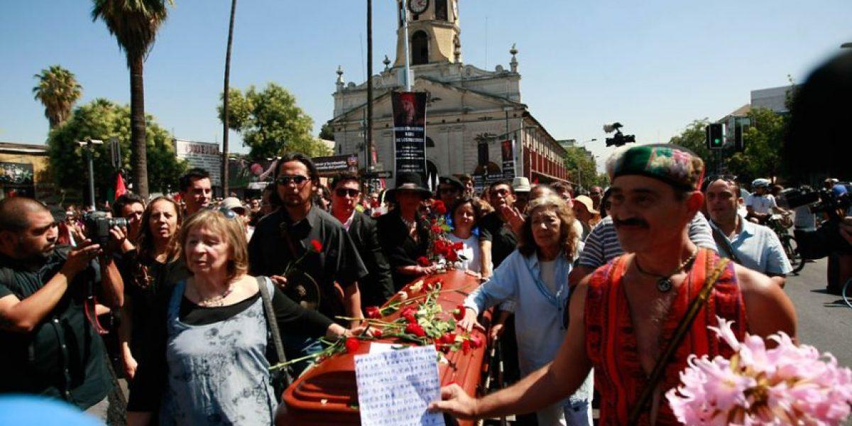 Cientos de personas despidieron a Pedro Lemebel