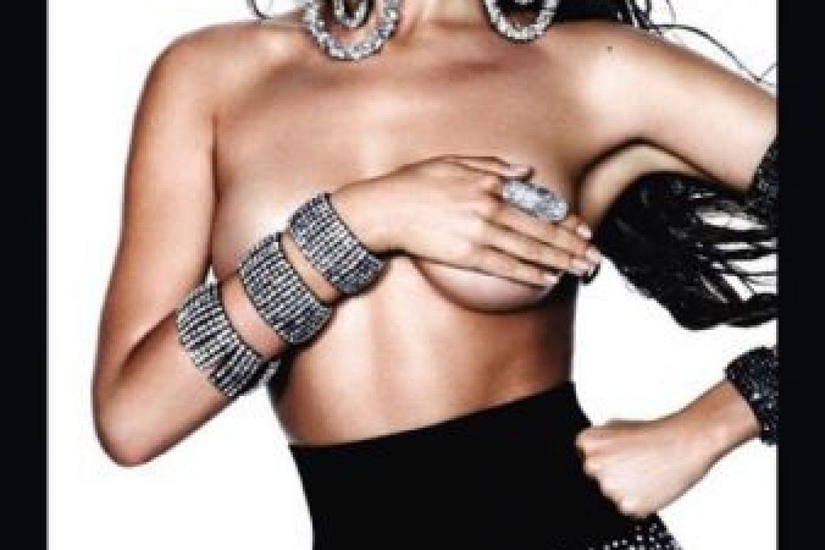 Irina Shayk en la portada de la revista Vogue en su edición española. Foto:instagram.com/irinashayk. Imagen Por: