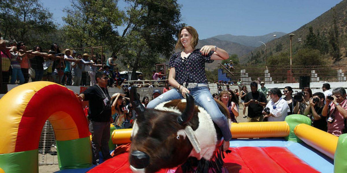 Las mujeres del Festival de Olmué se lucieron arriba del toro