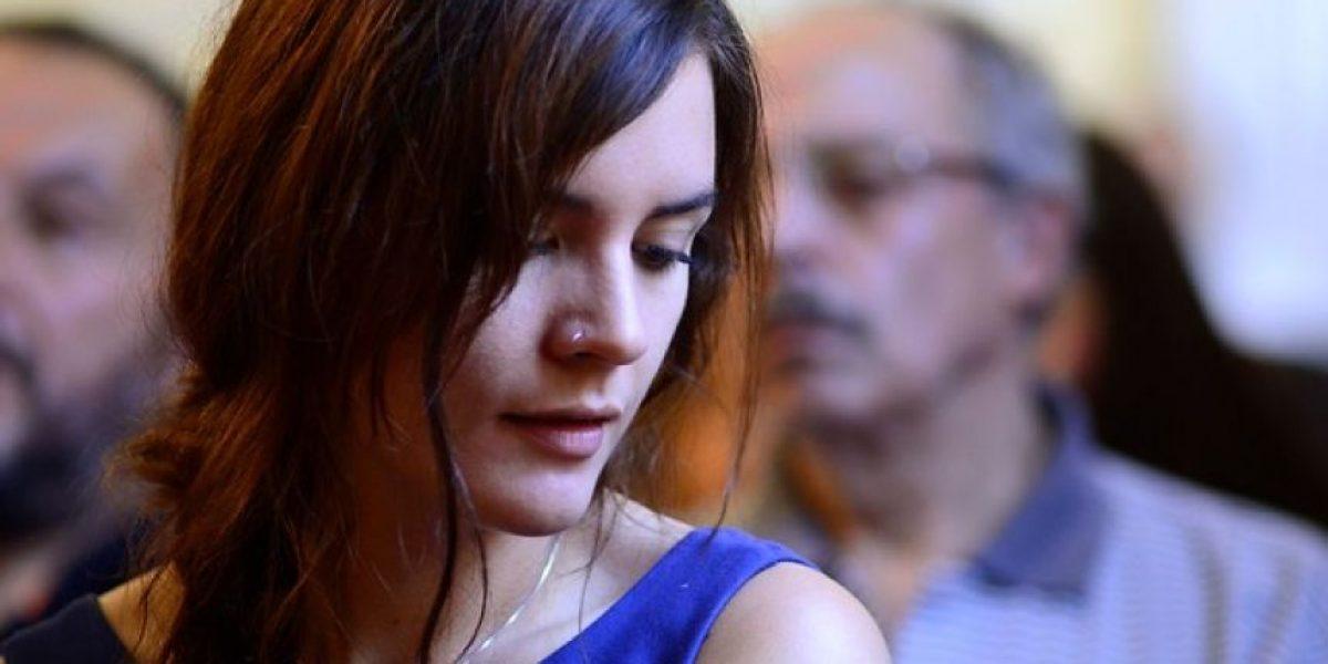 Mira la tierna imagen de Camila Vallejo en su rol de madre y de política