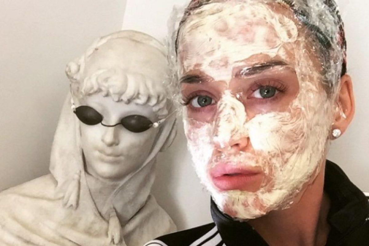 La cantante se sometió a una extraña mascarilla. Foto:Instagram/Katy Perry. Imagen Por: