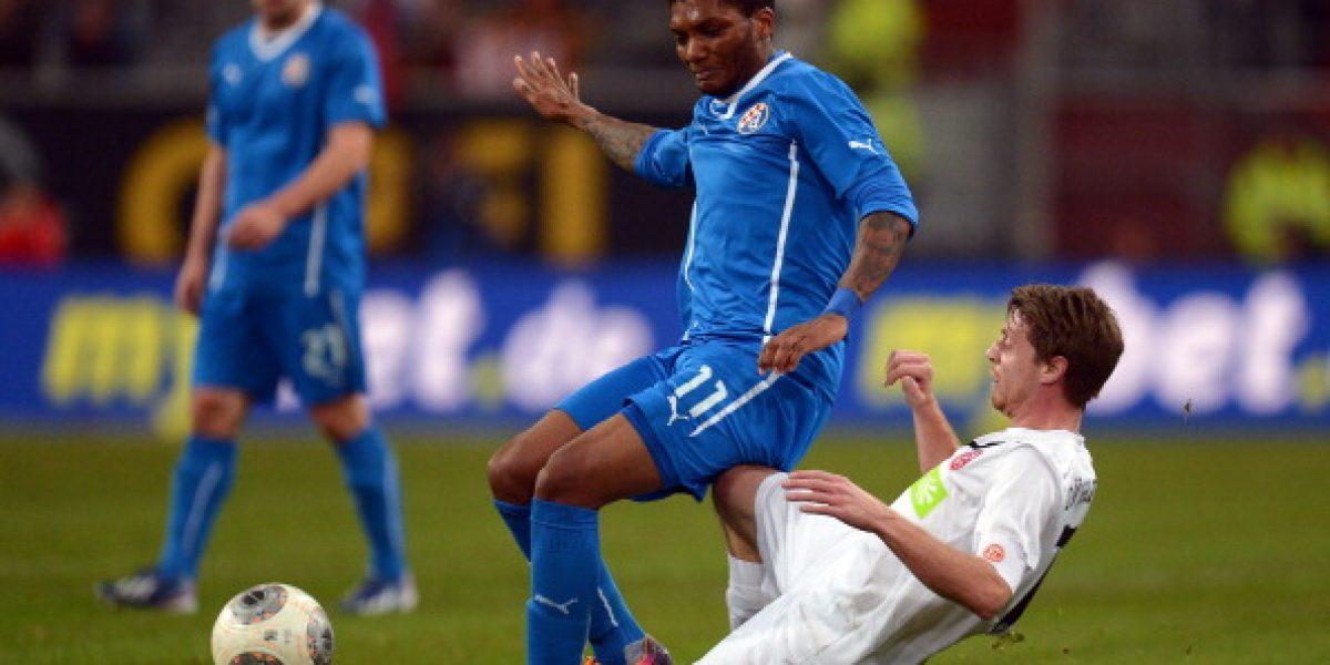 Henríquez y Fernandes convirtieron en goleada del Dínamo Zagreb