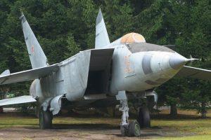 2. MiG-25 Foxbat. Velocidad máxima de Mach 2,83 (3.466,9 km/h) Foto:Wikimedia. Imagen Por: