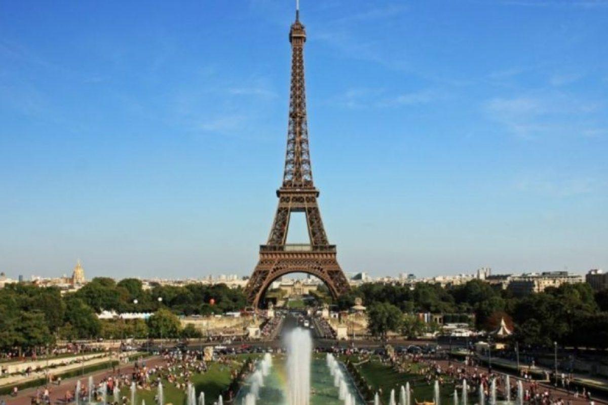 """F""""Torre Eiffel"""": Es una especie de """"asador"""", pero con más personas involucradas. Foto:Wikipedia. Imagen Por:"""