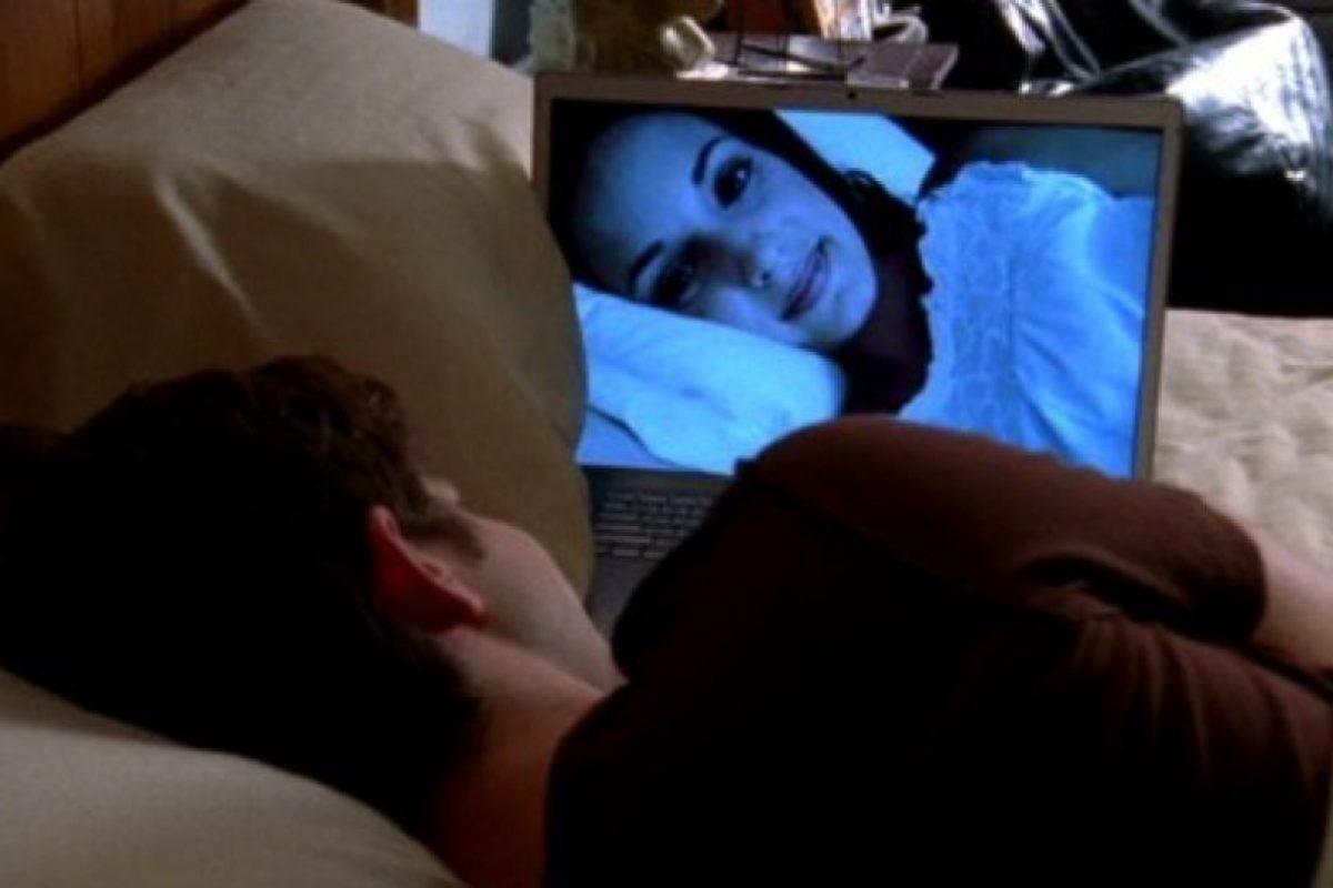 3. Suelen compartir sus contraseñas para ver películas en línea o para que tengan acceso a su música. Foto:Tumblr.com/Tagged-cyber-amor. Imagen Por: