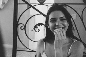 """9. Kendall ha afirmado con sus actitudes y decisiones que quiere una carrera sólida en la moda. Mientras tanto, según el magazine Ok! """"Kim Kardashian hace de todo para parecer relevante. Incluso desnudarse"""". Foto:Instagram/Kendall Jenner. Imagen Por:"""