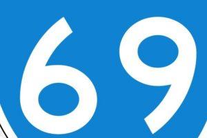 69: Dos personas tienen sexo oral mutuamente, en posición invertida. Foto:Wikipedia. Imagen Por:
