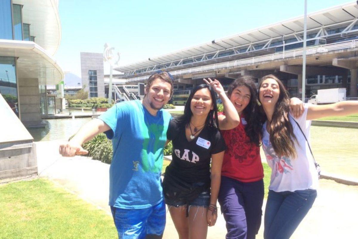 De izquierda a derecha: Nicolás Muñoz, Antonella Ramírez, Valentina Mariangel y Fernanda Olguín. Foto:Gentileza. Imagen Por: