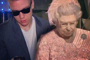 Con la Reina Foto:Instagram/peejet. Imagen Por: