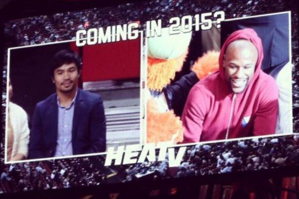 Floyd Mayweather y Manny Pacquiao se encontraron en un partido de la NBA. Foto:Twitter. Imagen Por: