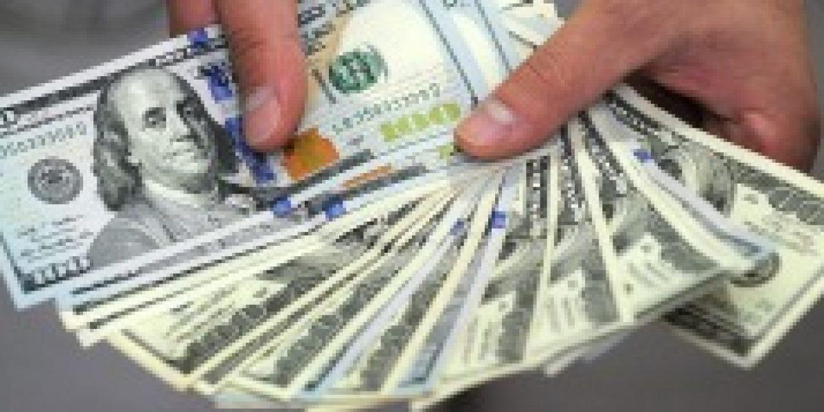 Pequeña alza del dólar se contrasta con el desplome del cobre