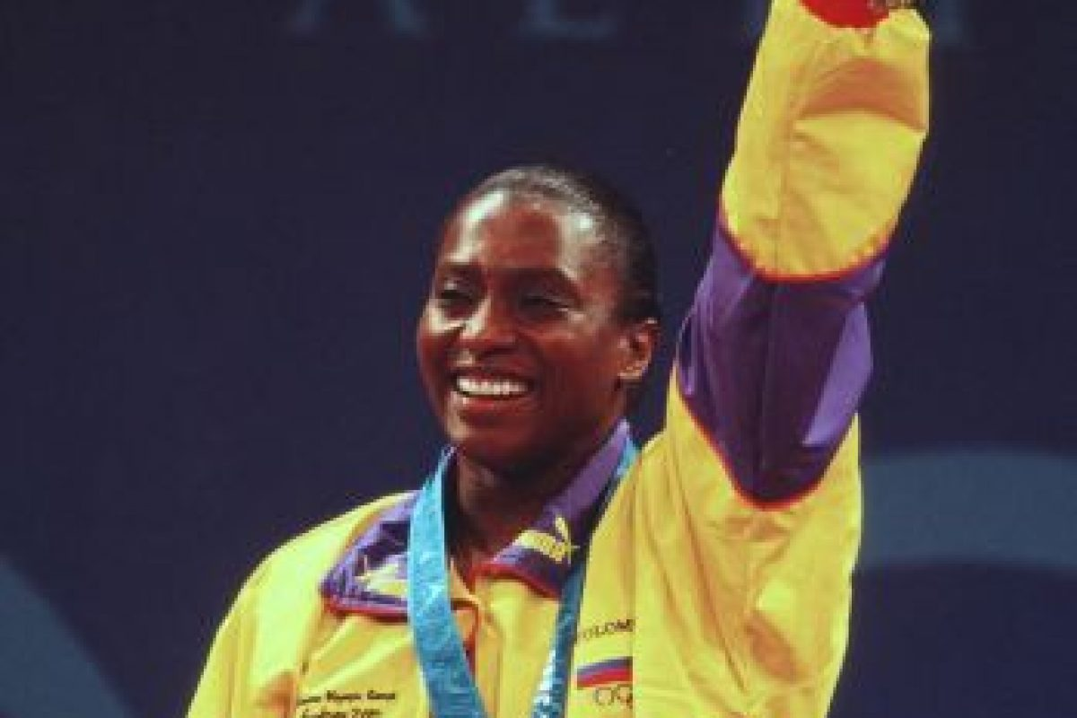 María Isabel Urrutia – Colombia. Medalla oro en halterofilia en Sidney 2000. Foto:Getty Images. Imagen Por: