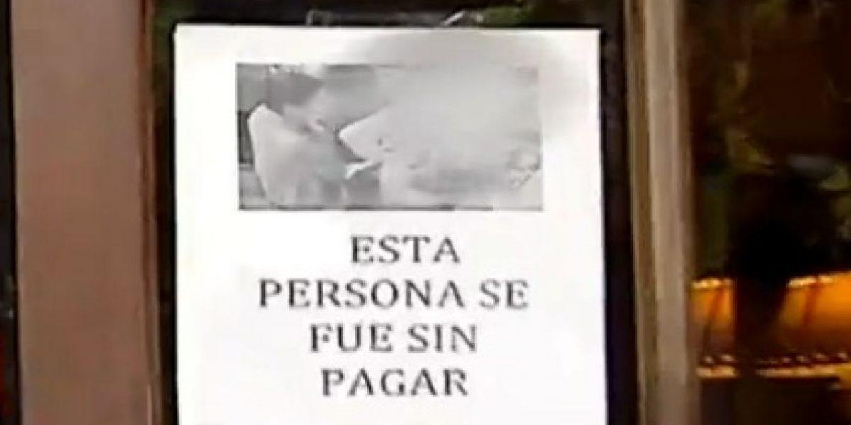 Comerciantes exhiben fotografías de asaltantes para evitar robos