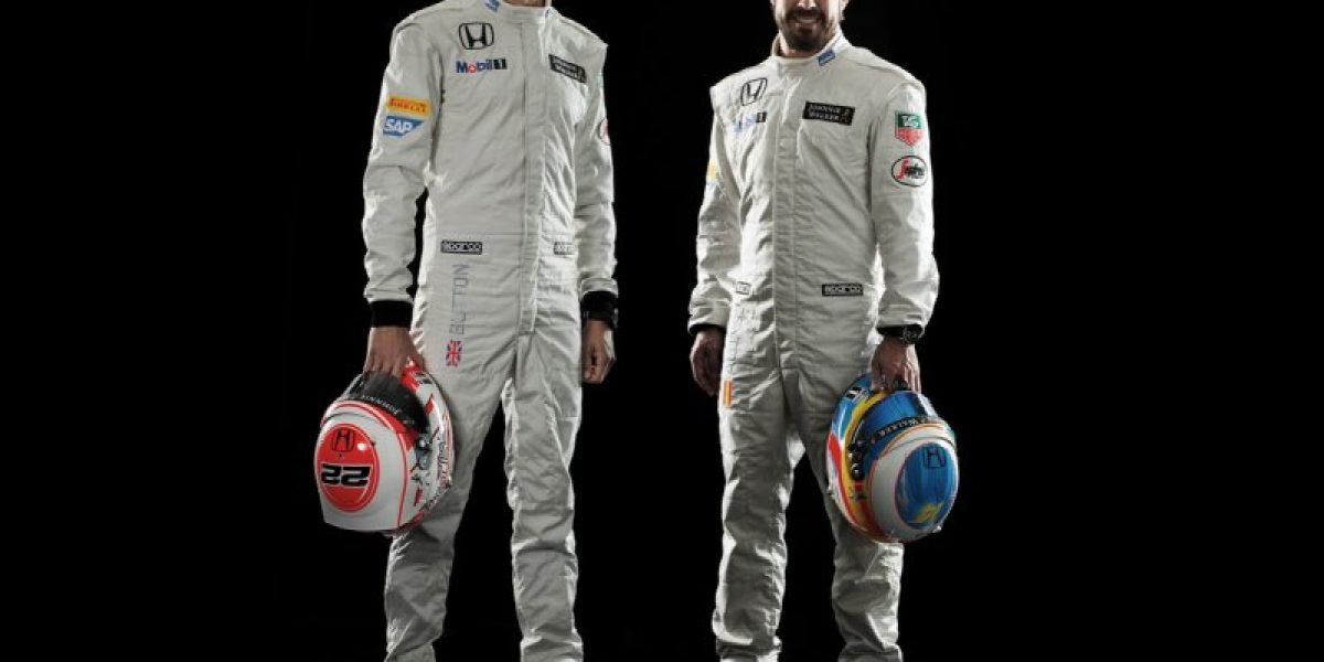 Alonso y Button vuelven al futuro: