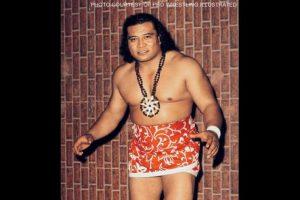 """Es abuelo de La Roca y """"hermano de sangre"""" de Amituanai Anoa'i, padre de los Wild Samoans Foto:WWE. Imagen Por:"""